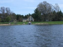 Beautiful 4 bedroom/3 bath chalet on East Canadian Lake