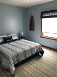 2 bedroom upstairs/queen bed