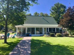 Beautiful 4 bedroom / 2 bath home on Main Canadian Lake