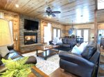 Beavers Bend Luxury Cabin Rentals - Cornerstone - Living Room