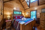 Beavers Bend Luxury Cabin Rentals - After the Sunset - Dining Area & Kitchen