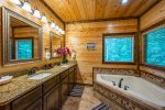Beavers Bend Luxury Cabin Rentals - After the Sunset - Bathroom