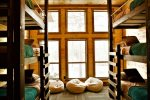 Beavers Bend Luxury Cabin Rentals - Camp Luxe - 6 Bed Bunk Room