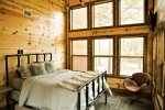 Beavers Bend Luxury Cabin Rentals - Camp Luxe - Bedroom 3