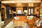 Beavers Bend Luxury Cabin Rentals - Camp Luxe - Living Room