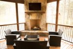Beavers Bend Luxury Cabin Rentals - Camp Luxe - Outdoor TV & Propane Fireplace