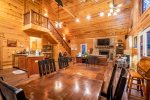 Cross Timbers - Beavers Bend Luxury Cabin Rentals - Entry
