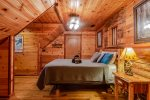 Lakeview - Beavers Bend Luxury Cabin Rentals - Upstairs Right Bedroom