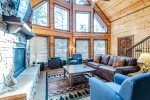 Dining Room  401kation Lodge  Beavers Bend Luxury Cabin Rentals