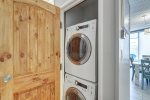 back patio, 22 ft bay windows, lounge chairs, patio chairs