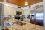 Fully Equipped Kitchen & Stainless Steel Appliances