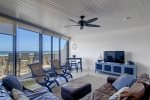 A great space for entertaining family and friends on you beach vacation