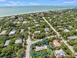 Turtle Tracks East Vacation Rental Home near beach Sanibel Island