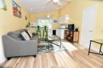 Palms of Sanibel Green Cottage. Historic East End Close to Beach