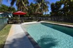Palms of Sanibel Blue Cottage. Historic East End. Close to the beach