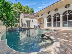 Casa Captiva!  5 Bedroom, 4 Bath Pool Home just a few houses from private beach.