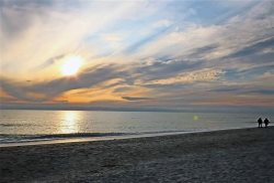 Sea Bell Home - Short walk to Bowman's Beach. Spacious vacation rental home