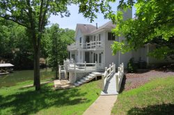 Beautiful 5 Bedroom Lakefront House, Multi Level, Several Living Areas