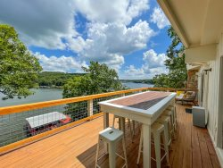 Lake Time is Your Time Sleeping 18, 3 Level Lakefront House with spanning decks and Dock!