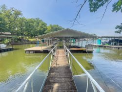 Amazing 4 Bedroom, Sleeps 13, Lakefront House with Private Dock