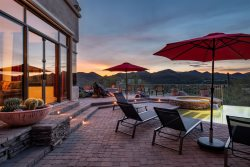 Southwest home w/ Hot Tub, pool, and amazing Mnt. Views!