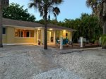 SALTY DOG - DOG FRIENDLY HOME ON SANIBEL, PERFECT GETAWAY HOME FOR A MONTH OR LONGER!