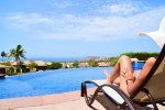 Relax by the pool in Casa Juan Miguel