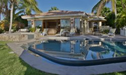 Casa Tortuga - 5 bdrm Hacienda style at a Great Discounted rate!