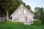 Beautifully Designed Cottage with Private Beach and Fabulous Views