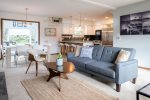 Beautifully Appointed Cape Cod - Sleeps 7