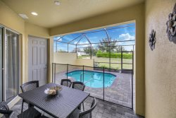 Amazing New 5 Bedroom 4.5 Bathroom TownHome for 12PPL* in Festival Resort with Pvt Pool and Amenities Included - 15 min Disney