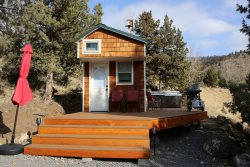 Lake Simtustus Resort- Juniper Tiny Home B 14- Hot Tub