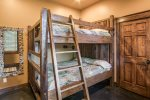 Guest house queen bunkbeds
