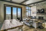 Schweitzer Luxury Ski in/out Townhome off Chair Lift
