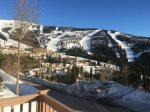 Enjoy views & stay with friends near Schweitzer Village