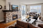 Beautiful Downtown Waterfront Condo - Seasons at Sandpoint