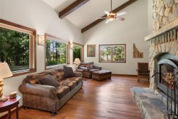 Jacobson Acres: Gorgeous Private Family Home on 20 Acres!