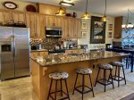 Seasons at Sandpoint Condo - Luxury, Hot Tub, Pool - Available now through June 15th