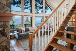 Spectacular Family Home. INCREDIBLE VIEWS! Blue Grouse