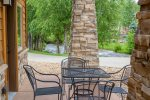 Riverside. Neighboring fire pit & gas grills. Spacious kitchen.