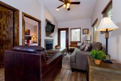 Beautiful Mountain Modern Unit in the Fall River Village Resort.  Dog Friendly, Walk to Town!