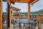 Dog-friendly townhome w/ outstanding view of the Continental Divide. 5-mintute walk to Estes Park shopping & dining!