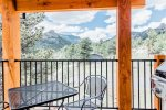 Cool Mountain Modern Unit with Spectacular Mountain Views! Short Walk to Downtown Estes Park.
