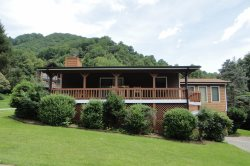 Rainbow Mountain Retreat in The Heart of the Smokies