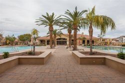 4BR Gated Townhome, Clubhouse, Heated Pools, BBQ