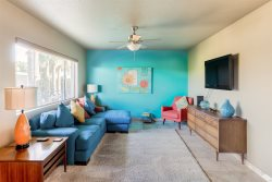Longer Stay Discounts! Mid-Century Modern Condo, Walk to Old Town Scottsdale, Pool
