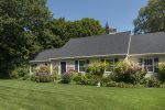 Well kept home in convenient Kennebunk location