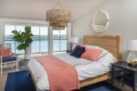 Gorgeous high end accommodations, waterfront with a tidal beach!  Falmouth Foreside!