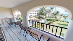 2 BD Beachfront condo with pool, the best location