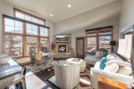 Luxury Condo, Modern Decor, Close To Jordanelle And Minutes From Main Street - 302JOR
